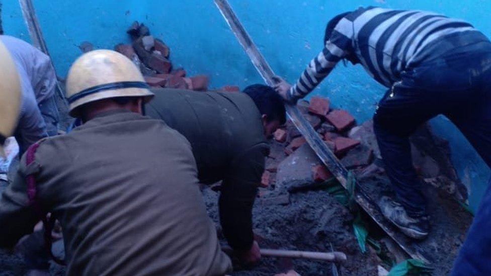दिल्ली के भजनपुरा में निर्माणधीन इमारत ढही, चार की मौत