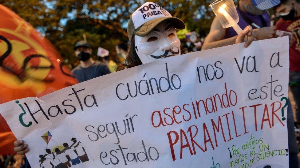 Protesta contra el paramilitarismo en Colombia