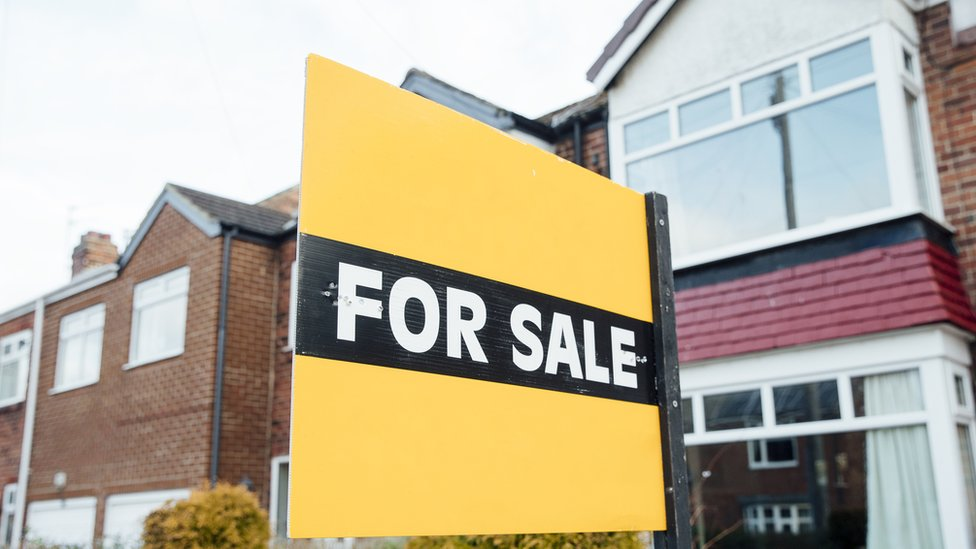 NI house price figures show mixed picture