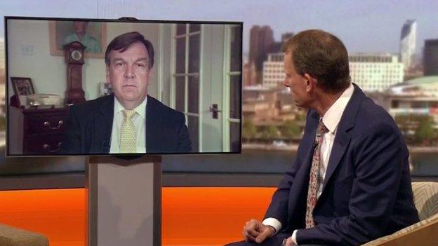 """""""Rwy'n edmygu'r BBC"""": Yr Ysgrifennydd Diwylliant, John Whittingdale, yn cael ei holi gan Andrew Marr"""