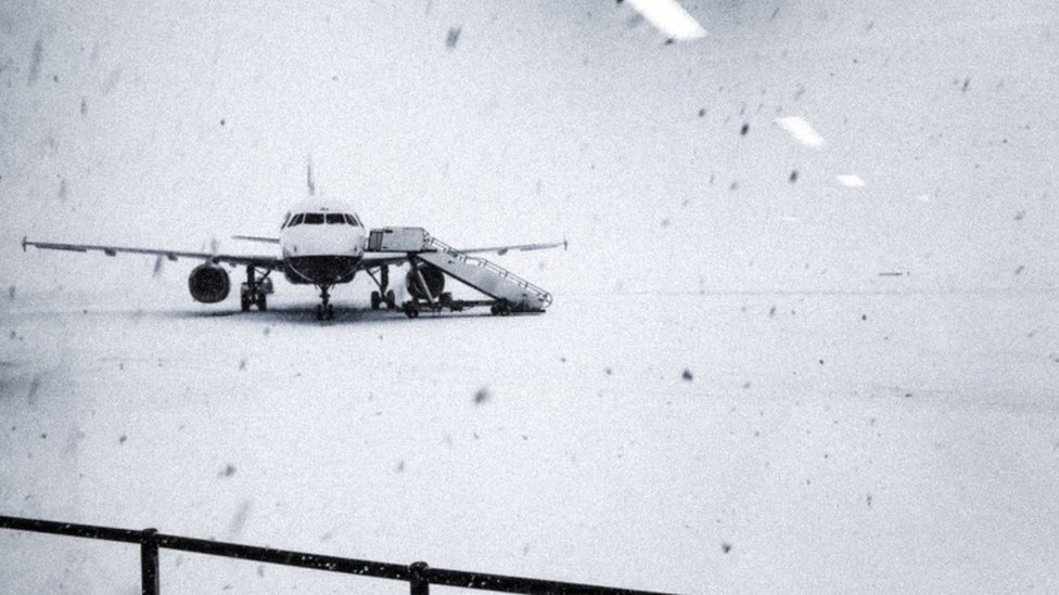 Snow at Glasgow Airport