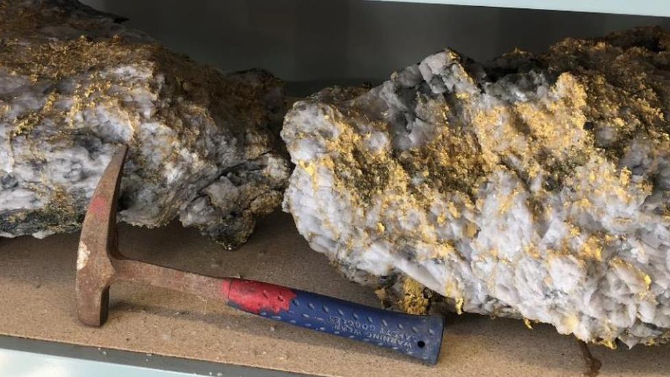 Zlatni grumeni pronađeni u rudniku u Australiji