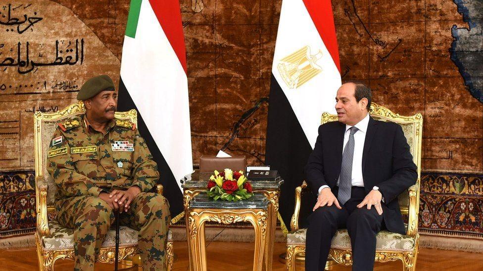 البرهان خلال لقائه السيسي في القاهرة