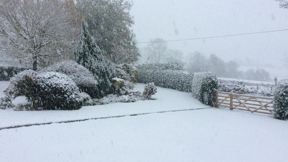 Snow in Pen-y-bont-fawr, Powys