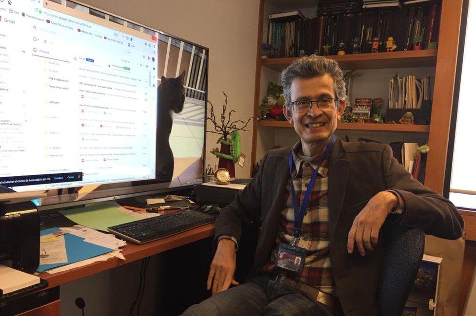 Juan Huberto Sossa Azuela, jefe del laboratorio de robótica y mecatrónica del IPN.