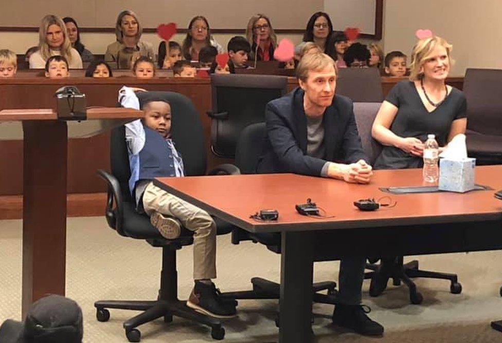 Deca i odrasli u sudu