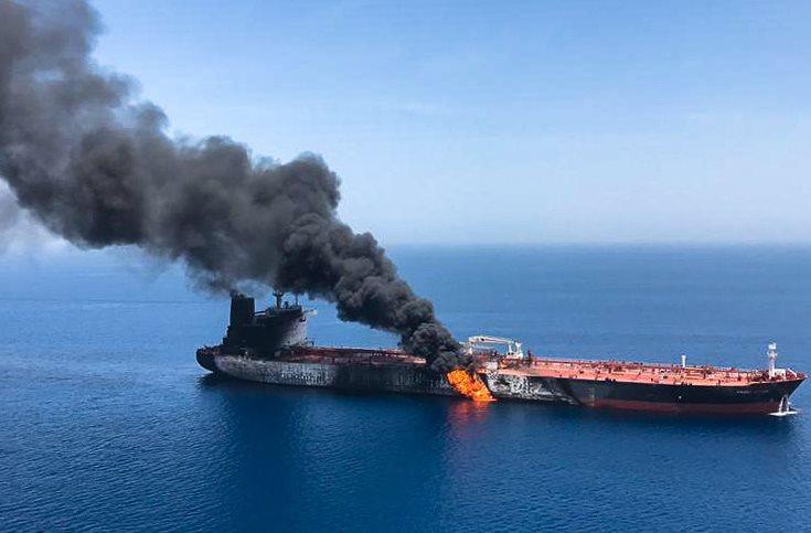 تفجير ناقلتي نفط في خليج عمان