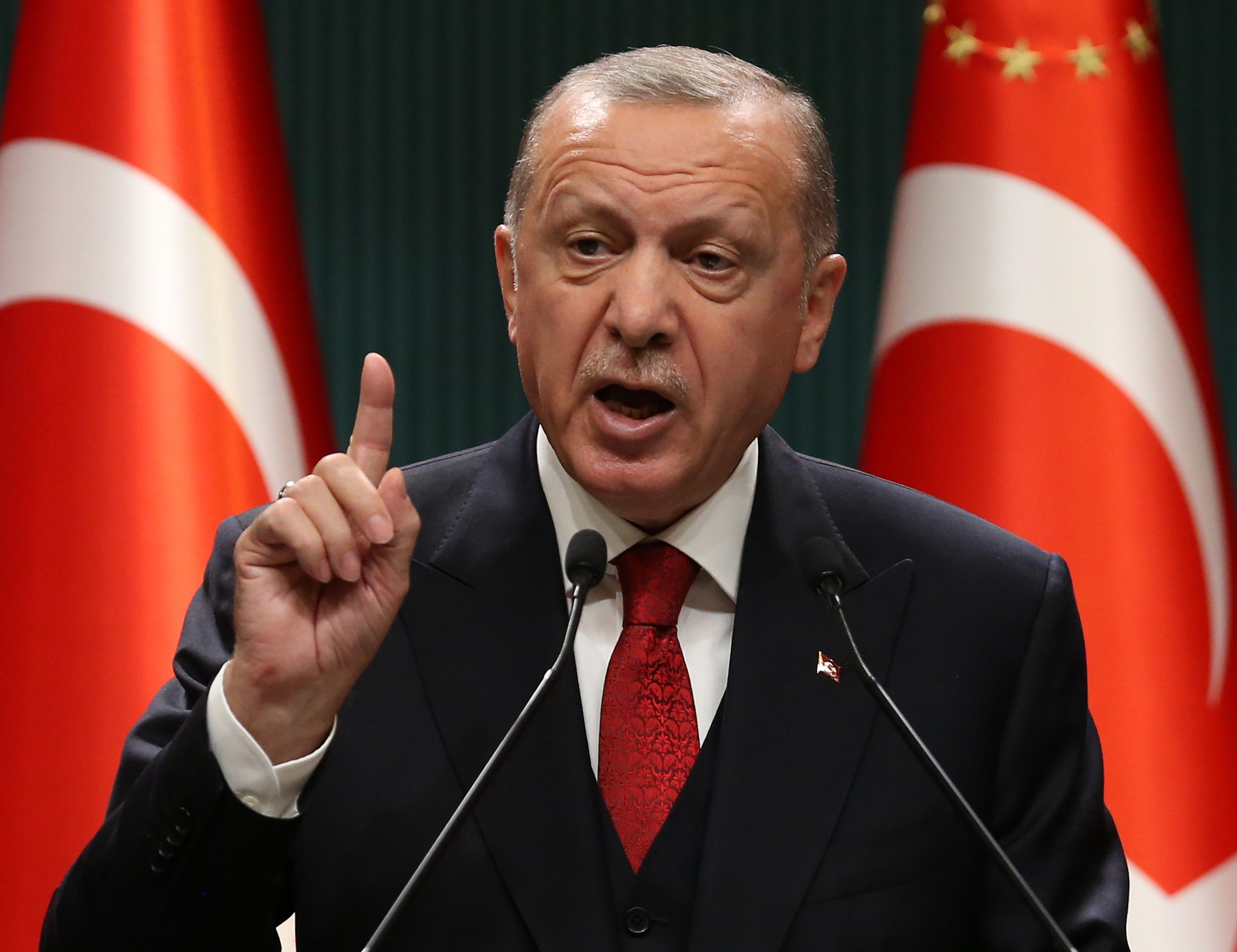 إردوغان أكد دعمه لأذربيجان بكل الإمكانيات