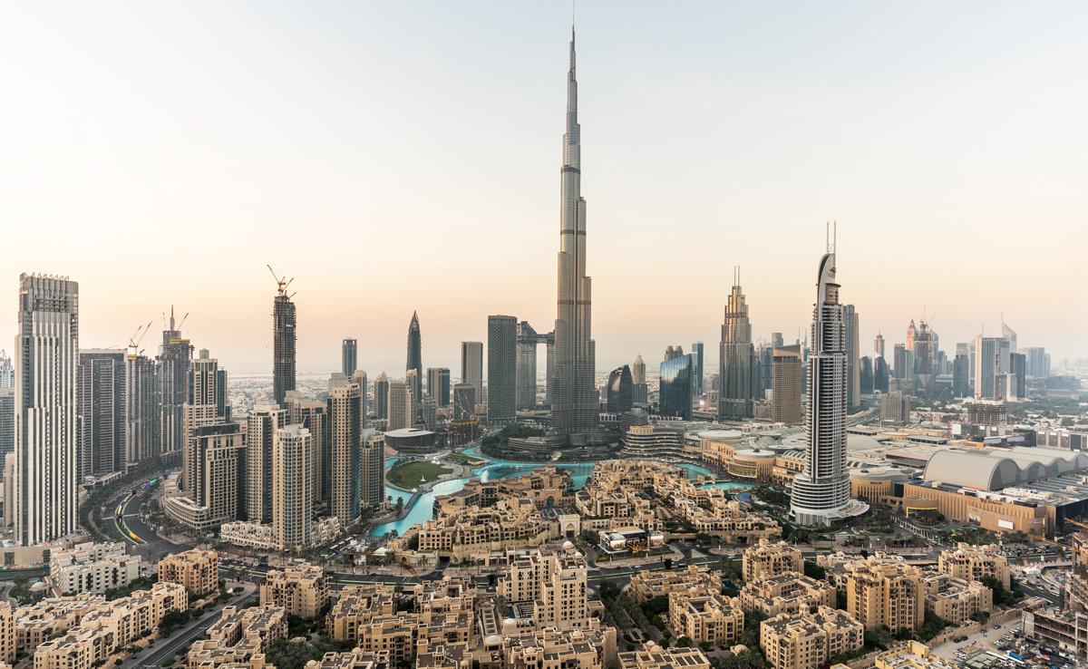 منظر لدبي يظهر برج خليفة