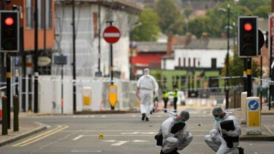 شهدت مدينة برمنغهام حوادث طعن أسفرت عن مقتل شخص وإصابة سبعة آخرين