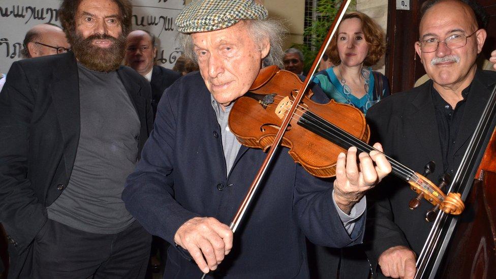 Ivry Gitlis: Celebrated Israeli virtuoso violinist dies at 98 thumbnail