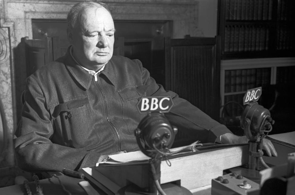 Winston Churchill hablaba a través del Servicio Mundial de la BBC en 1942.