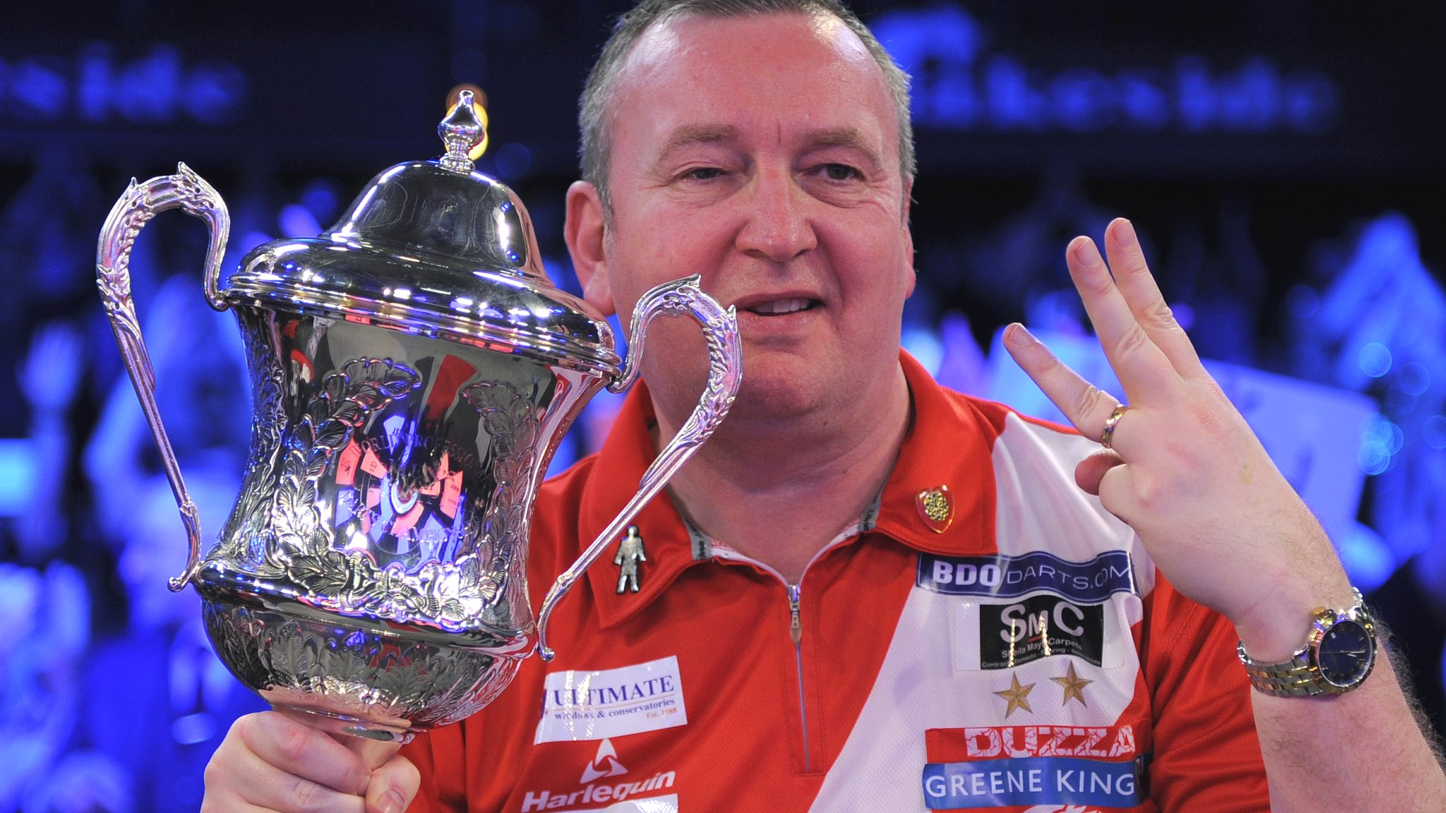 Glen Durrant: BDO world champion earns PDC tour card at Qualifying School