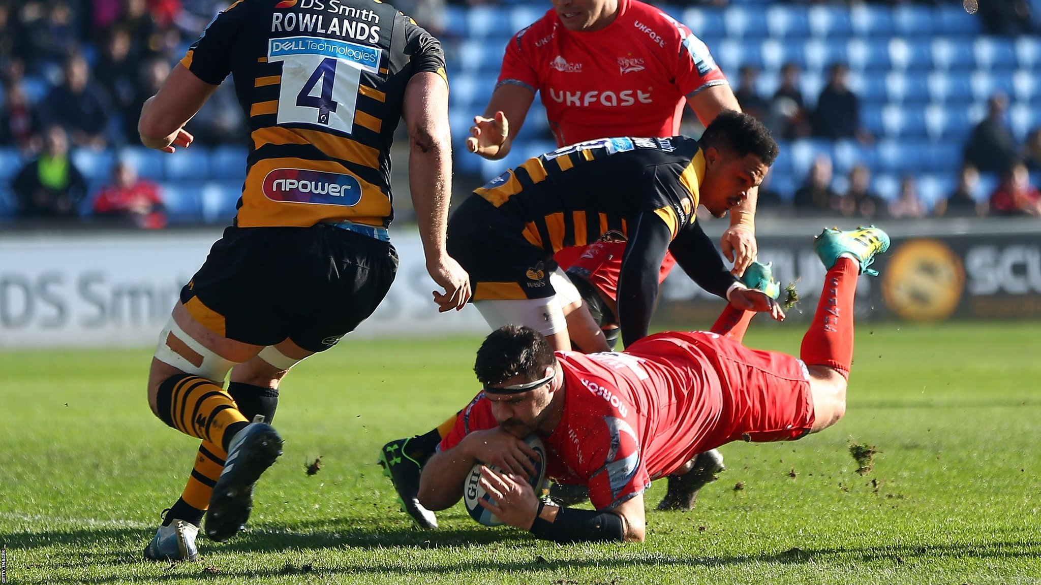 Premiership: Sale Sharks hold on to claim 24-18 at Wasps