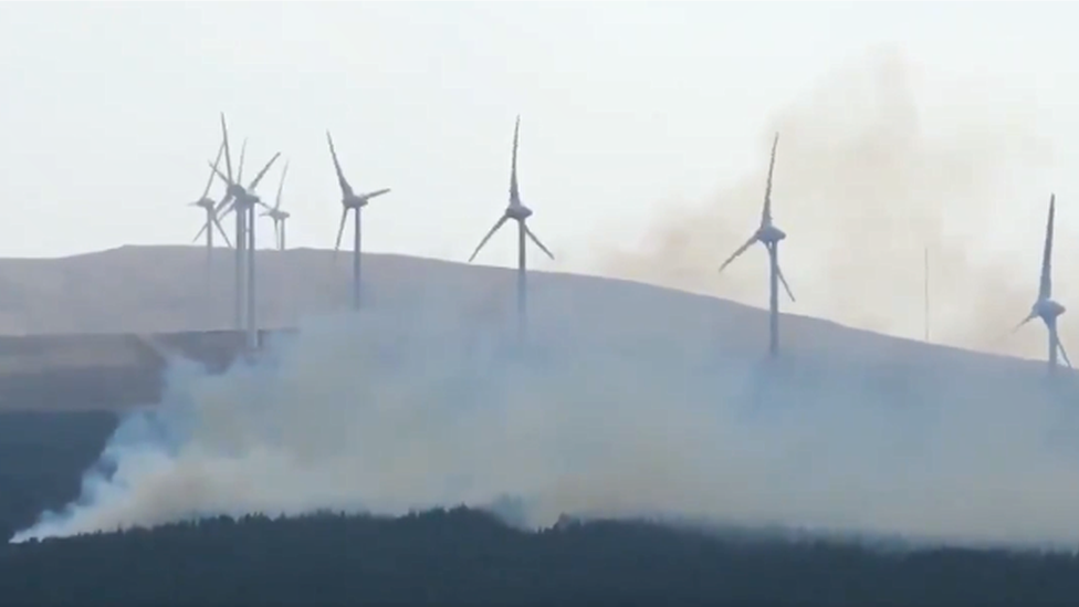 Firefighters tackle serious wildfire on Skye