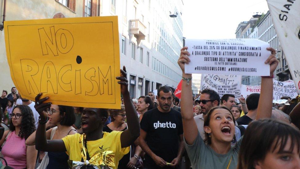 مظاهرة ضد سالفيني