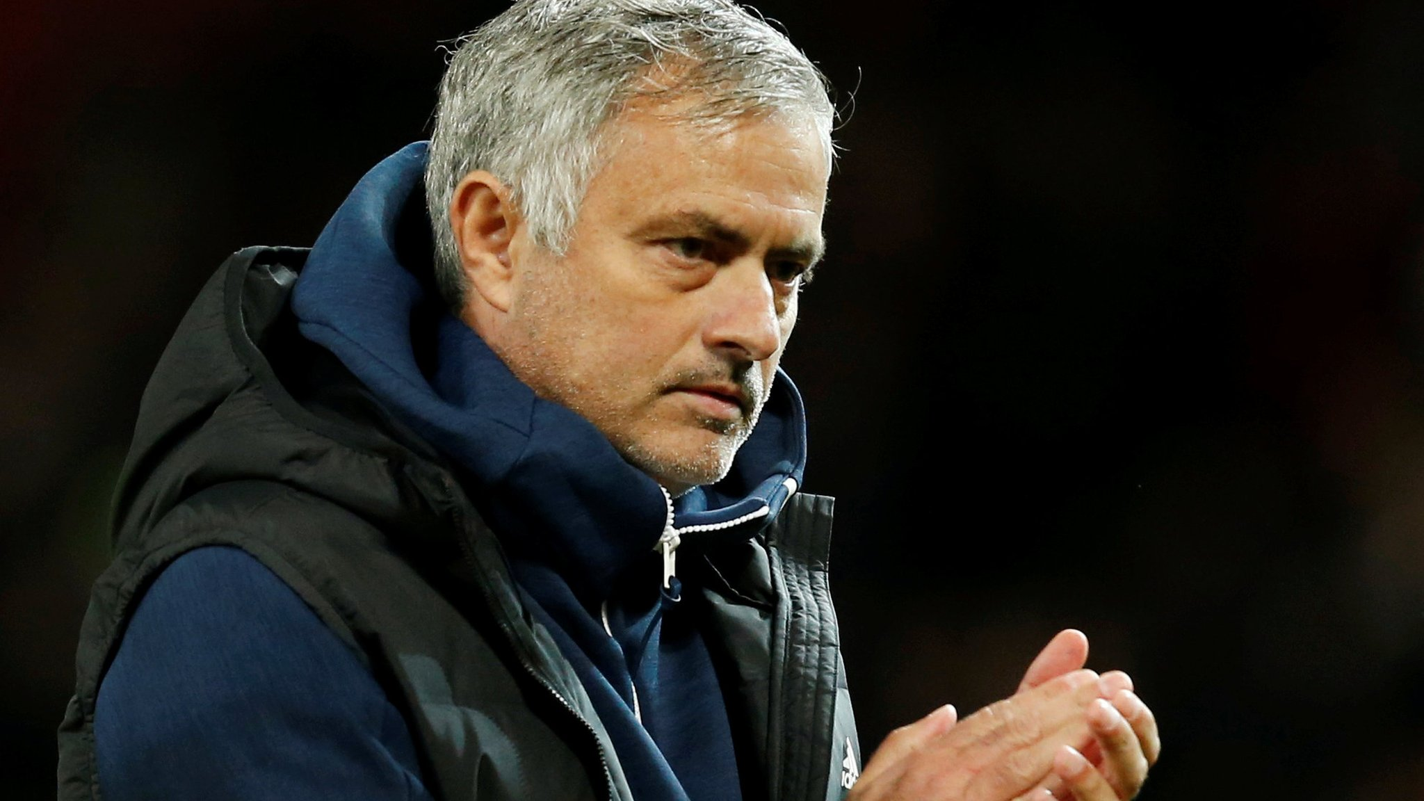 Mourinho 'at war with his players' - Keown