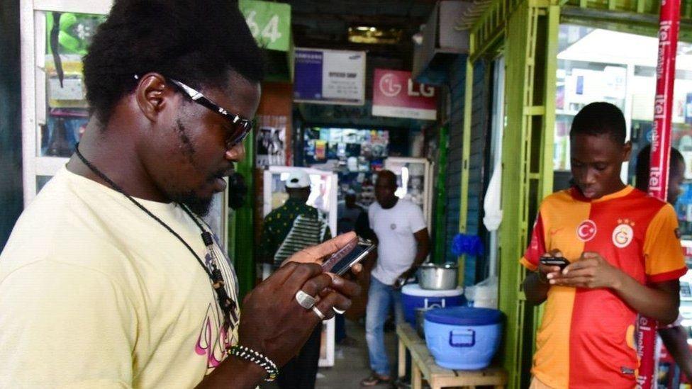 في كينيا أكثر من 54 مليون مشترك في الهاتف المحمول