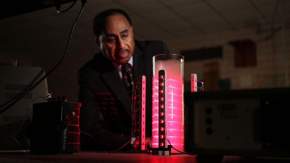 Prof Ron Mallett