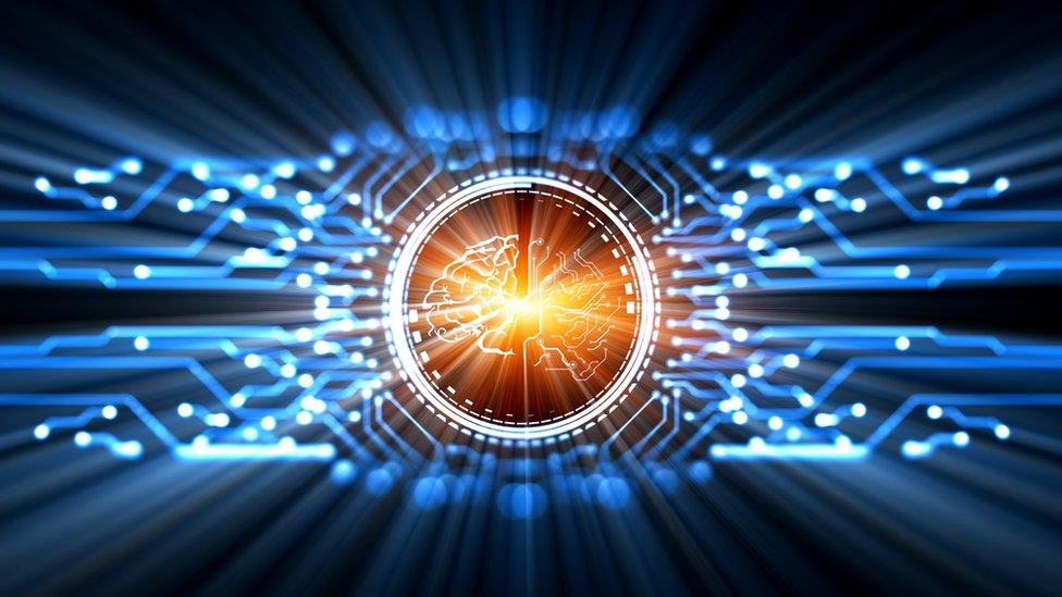 Cerebro conectado digitalmente.