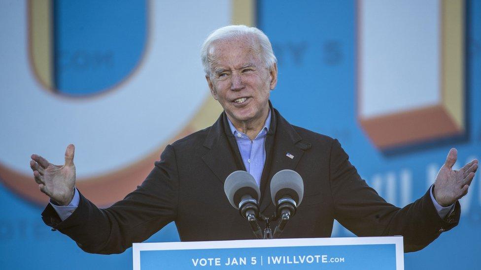 Joe Biden en un mitin en Georgia el 4 de enero de 2021