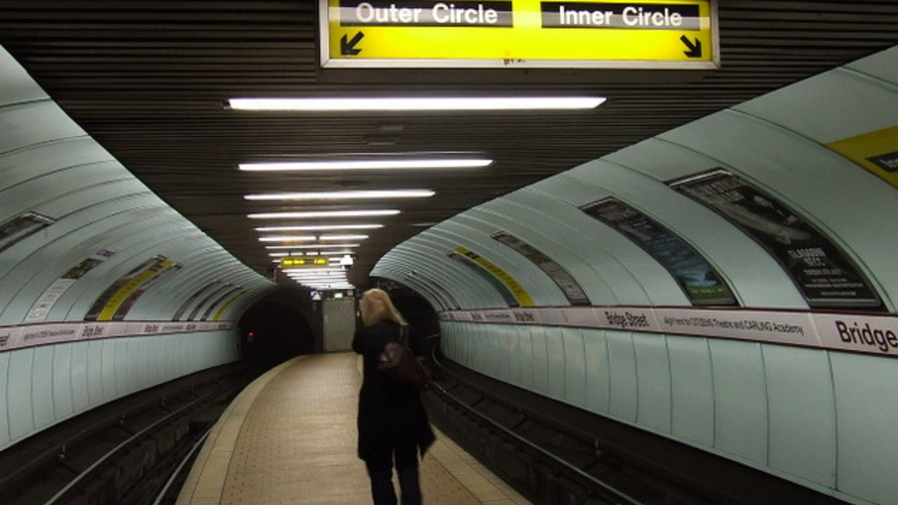 Man collapses in Glasgow subway station after attack