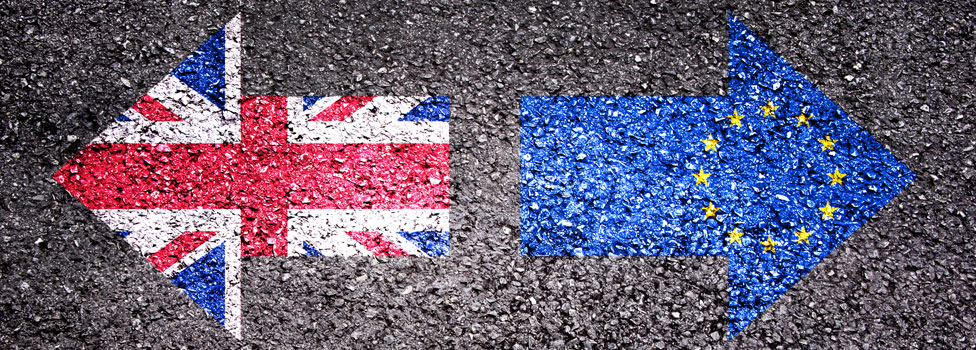 UK and EU flag on diverging arrows
