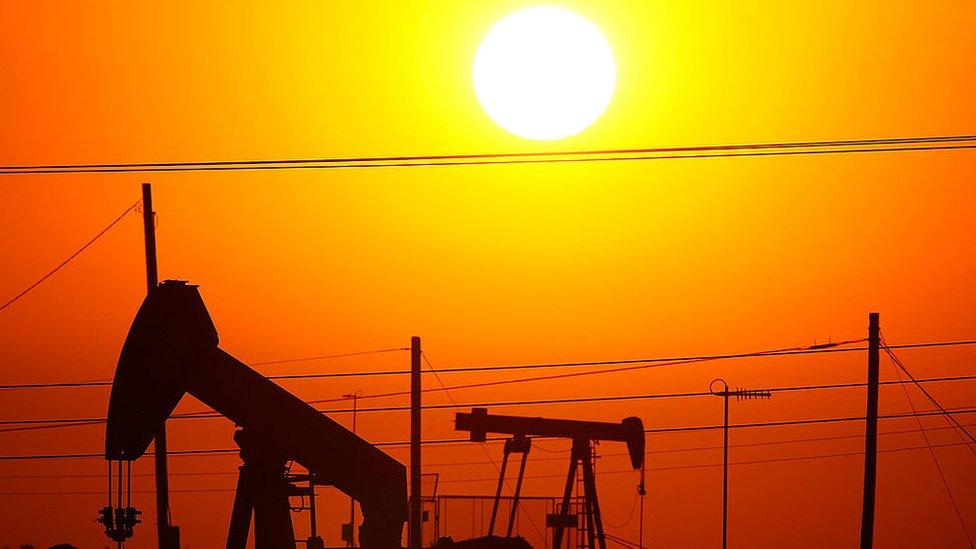 Plataformas petroleras en California, EE.UU.