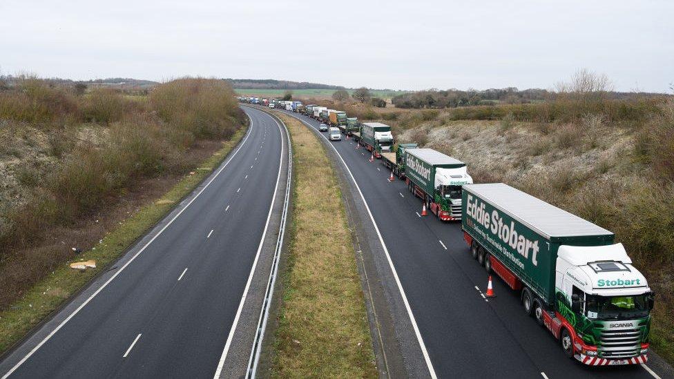 Fila de camiones en Dover