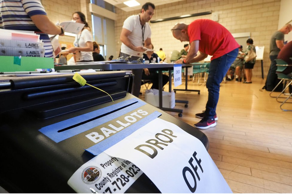 Early voting in Los Angeles, California - 4 November