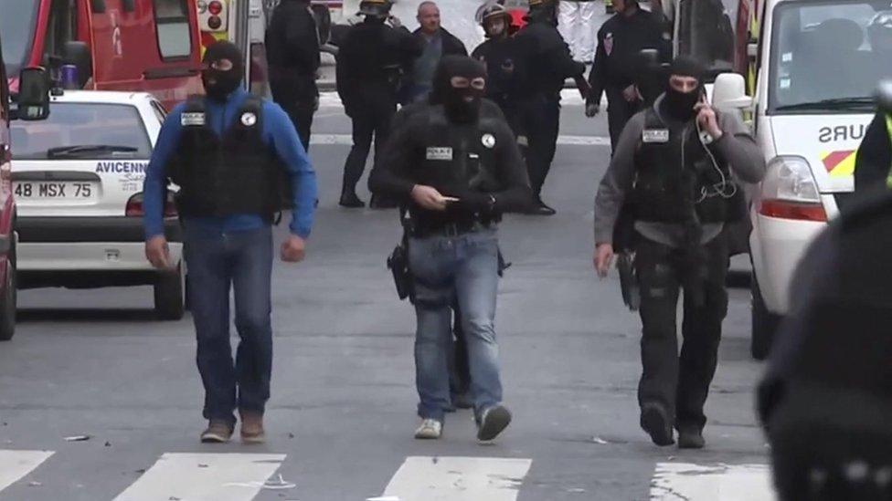 Forces de sécurité françaises à Paris