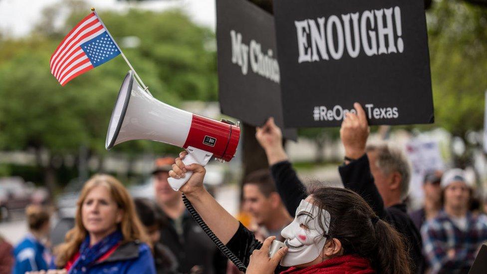 Una protesta en Texas contra las mascarillas