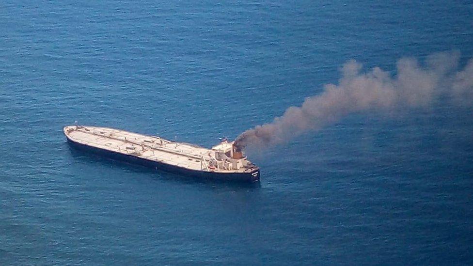 Oil tanker towed from Sri Lanka shoreline amid spill fears thumbnail