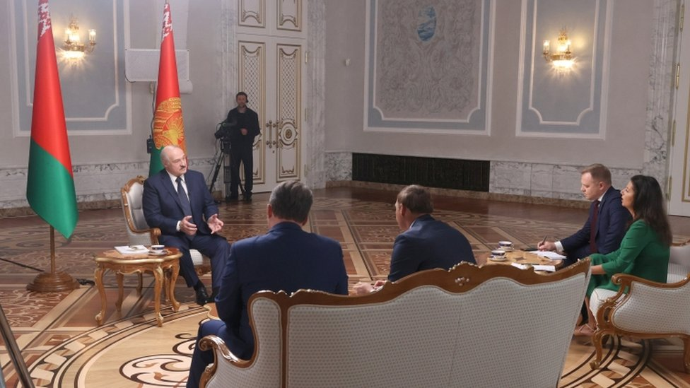 President Lukashenko talks to Russian reporters on 8 Sept
