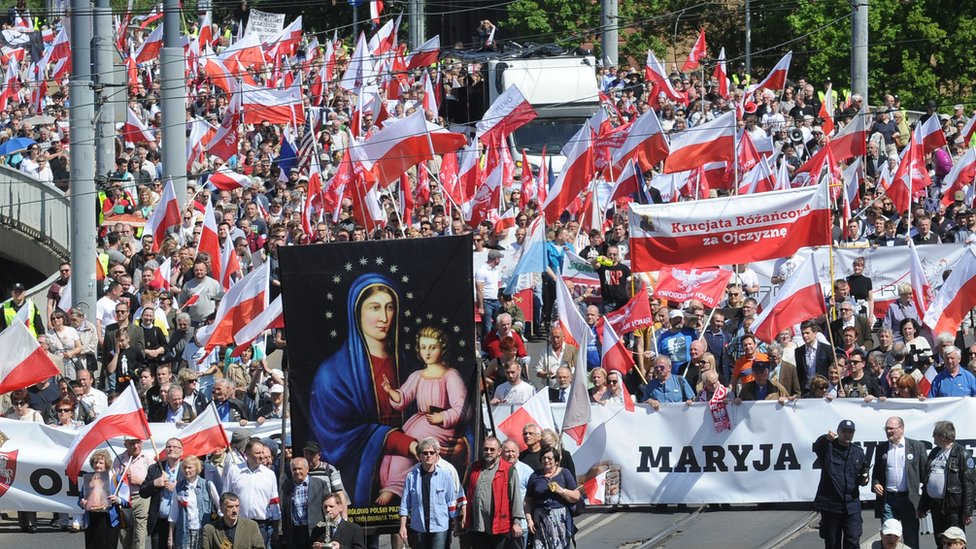 Nationalist and Catholic activists march in a protest against the European Union, 7 May 2016.