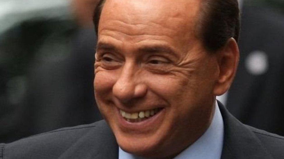 رئيس الوزراء الإيطالي السابق المثير للجدل سيلفيو برلسكون