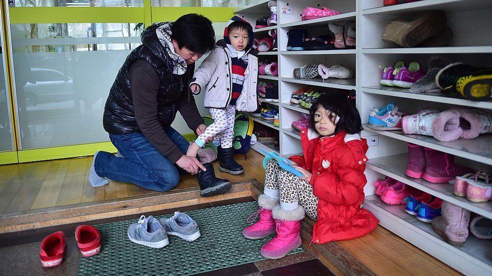 如今一些韓國公立幼托中心的等待名單已經有數年之長。