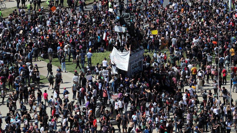 Concentración en Plaza Italia, Santiago de Chile