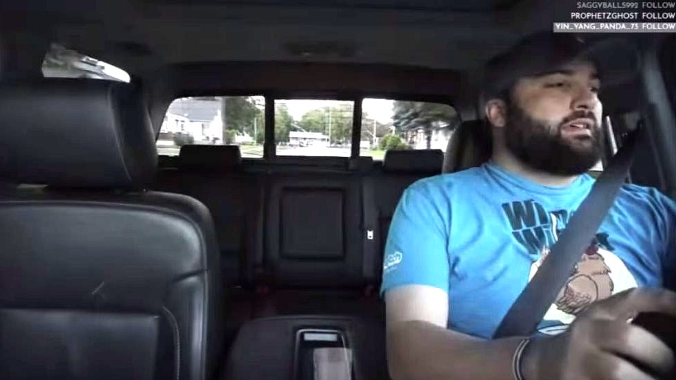 لقطة من بث مباشر للسائق جيسون غارغاك