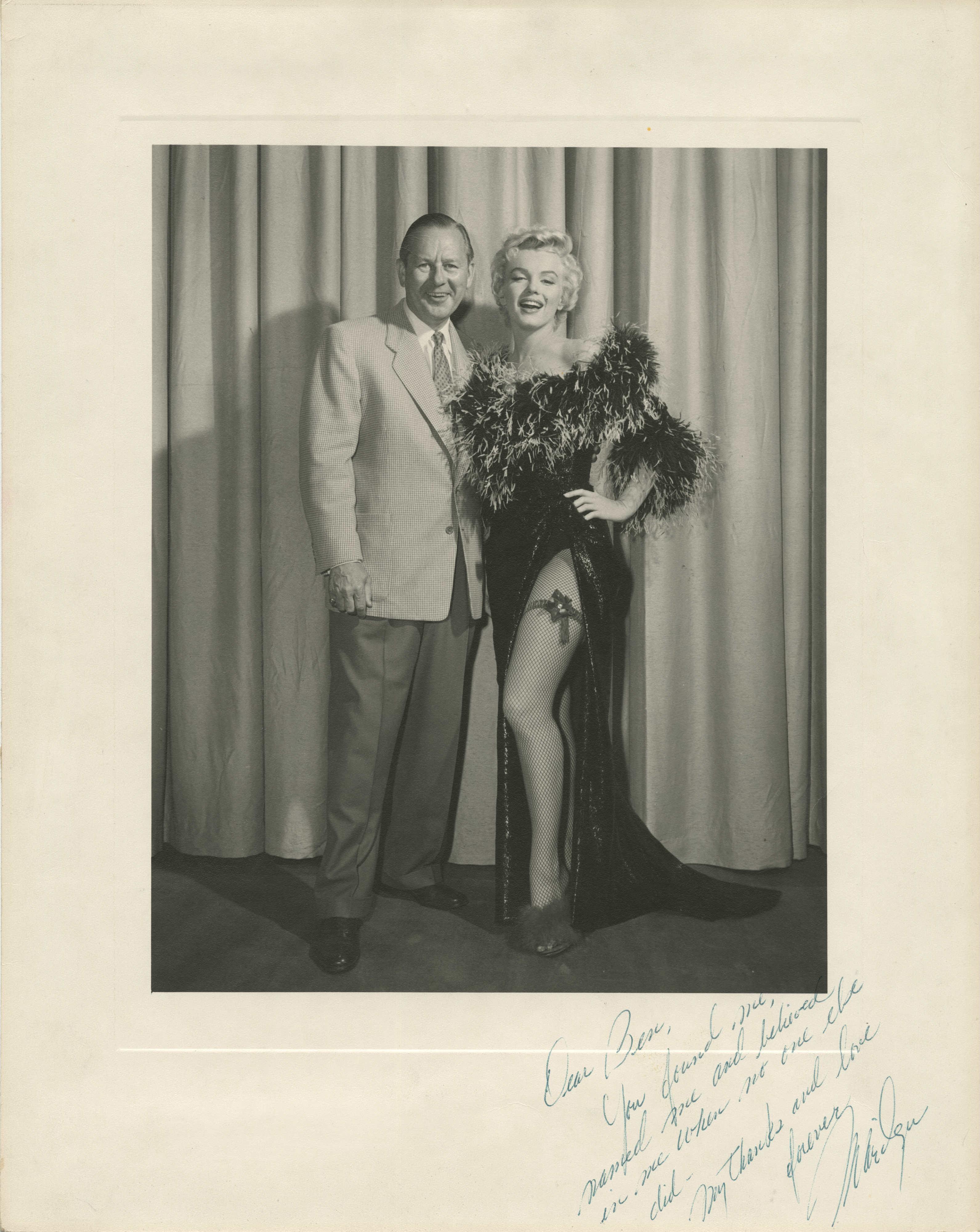 Marilyn Monroe junto a Ben Lyon