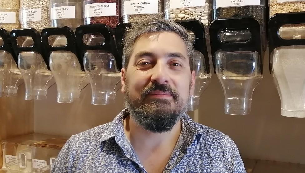 Mario Bustos Mansilla in his shop