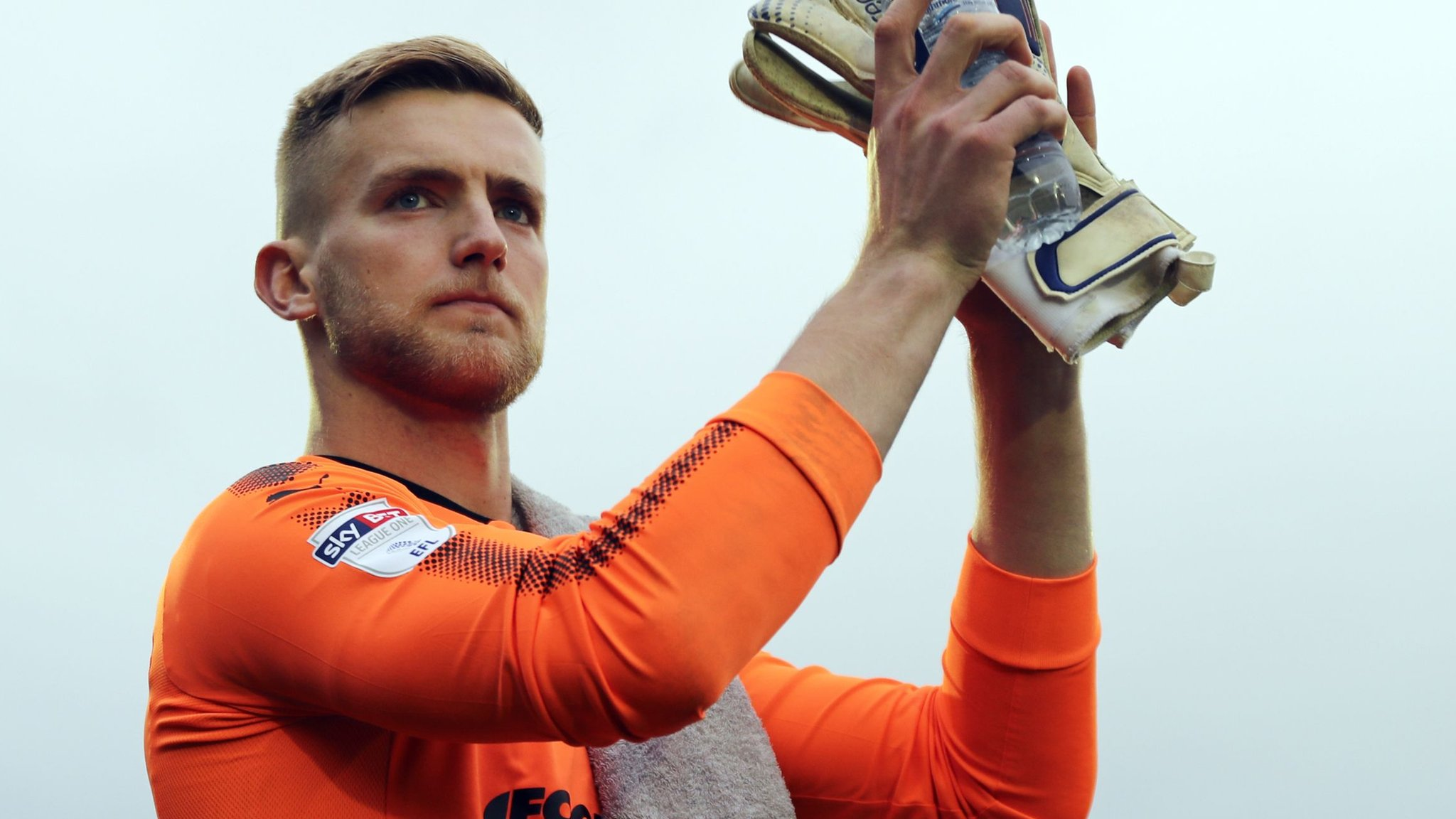 George Long: Hull City sign Sheffield United goalkeeper for an undisclosed fee