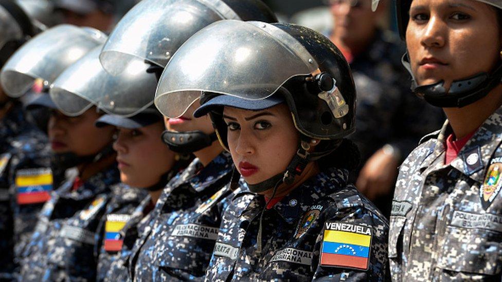 Mujeres en la policía venezolana.