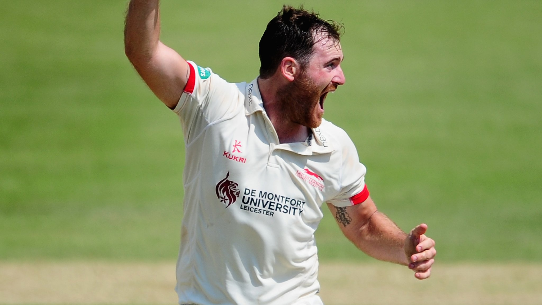 County Championship: Raine strikes as Leicestershire gain advantage against Middlesex
