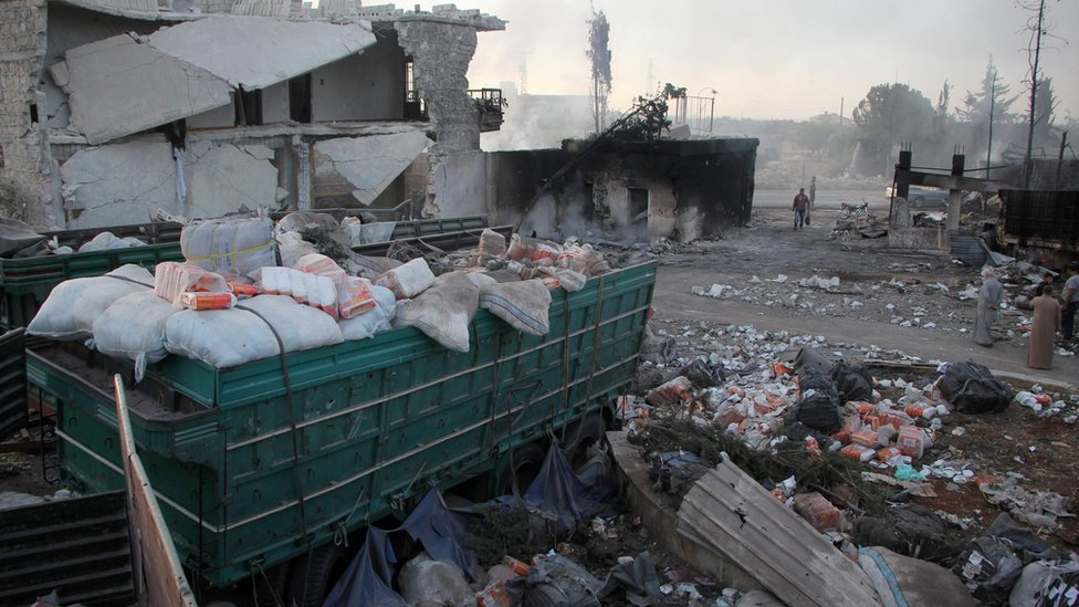 Aftermath of attack on aid convoy and warehouse in Urum al-Kubra (20 September 2016)