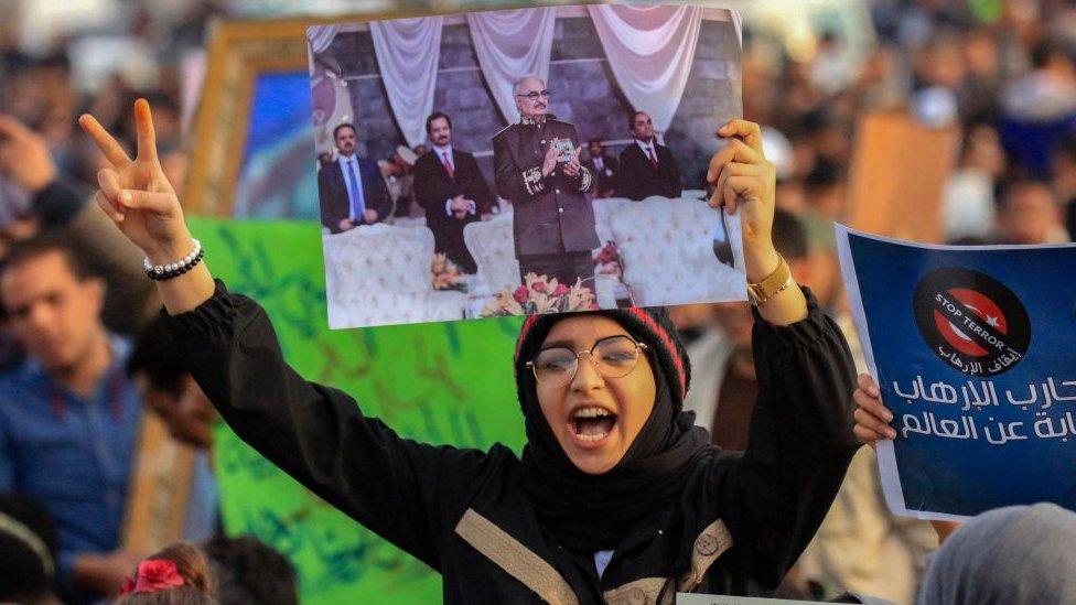 El general Haftar goza de un gran apoyo en el este del país, controlado por sus fuerzas.
