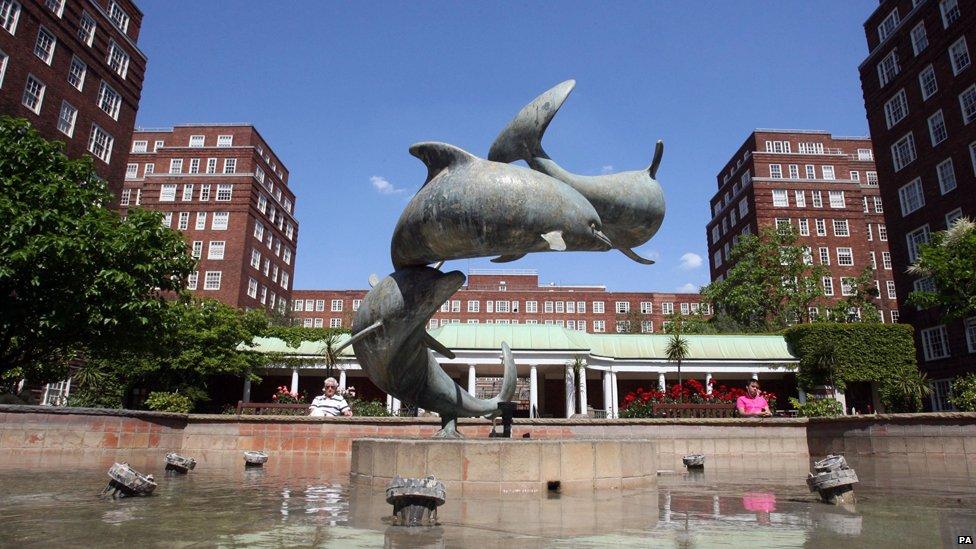 Dolphin Square fountain