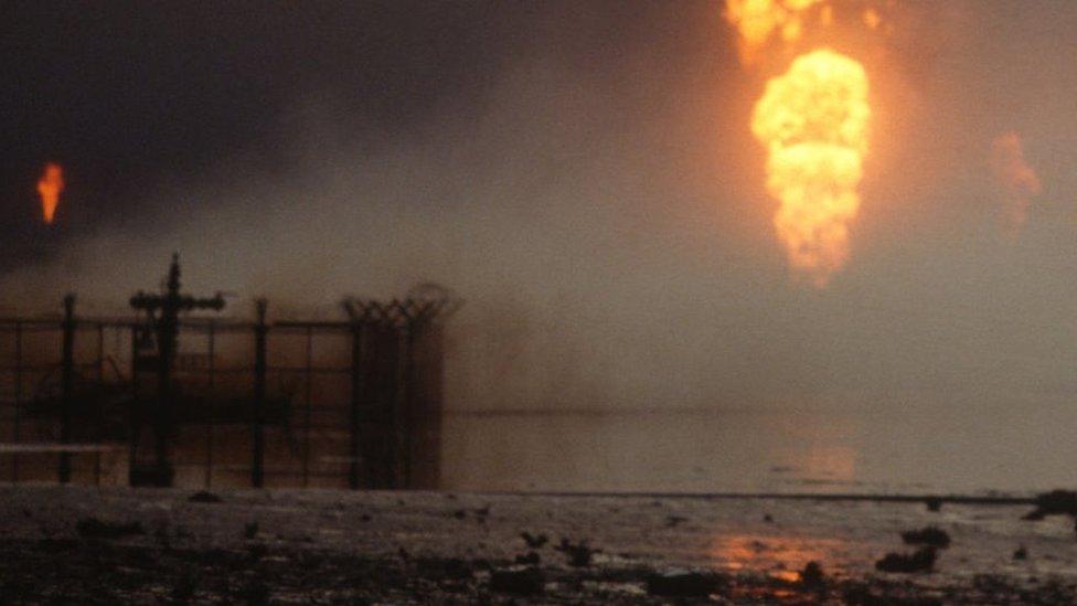 إحراق ابار البترول الكويت 1991