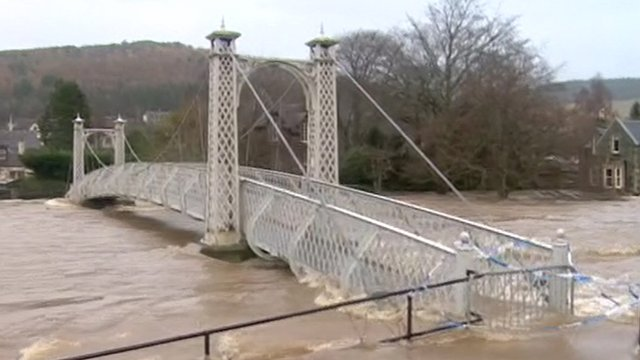 Peebles broken flood gates