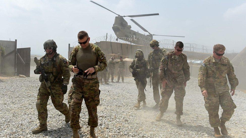 في ديسمبر كانون الأول أشارت تقارير إلى أن الولايات المتحدة تخطط لسحب قوات قوامها 7000 جندي من قواتها من أفغانستان